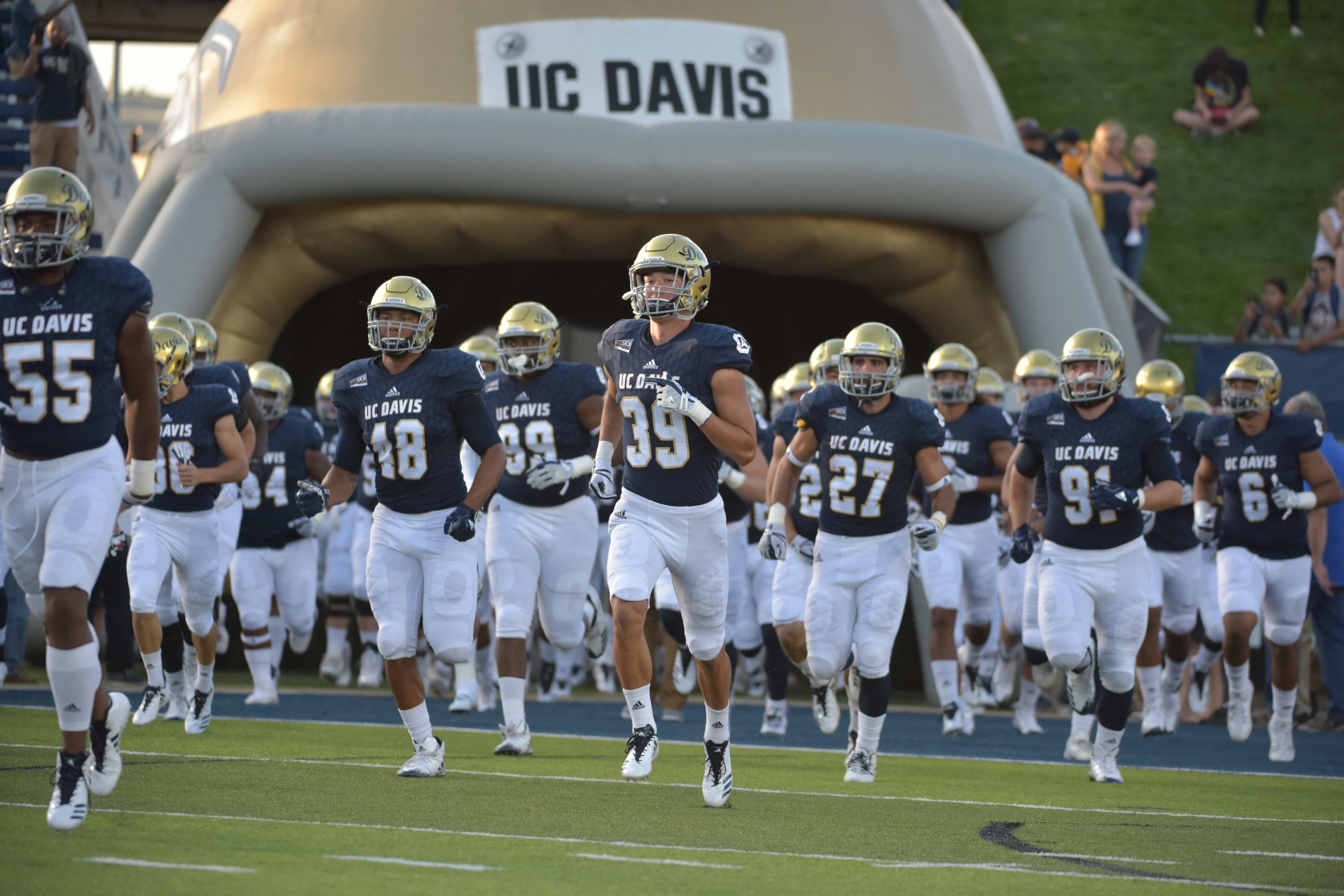 Football Crosses Causeway For Annual Rivalry Game Uc Davis Athletics